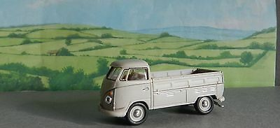 1/72 Scale    V W COMBI PICK UP