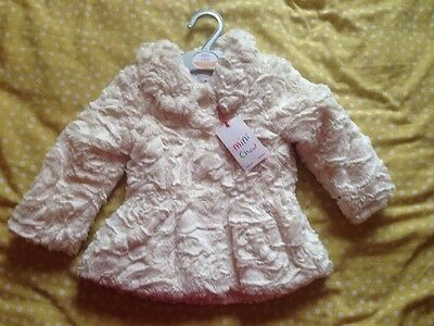 Sale!!!   White Fur Coat 9 To 12 Months Very Soft