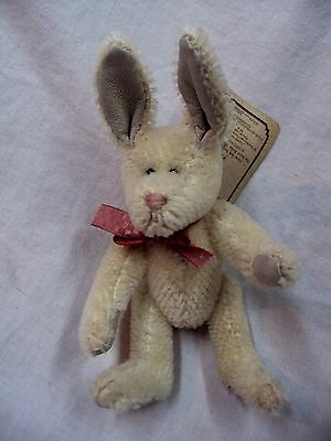 """BOYD'S Mohair Collection 590086-01 EARHART HARINGTON ~ 6"""" Jointed EASTER Rabbit"""