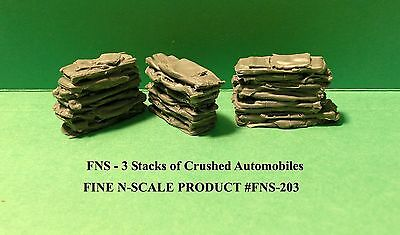N Scale: 3 STACKS OF CRUSHED AUTOMOBILES - FNS-203-1