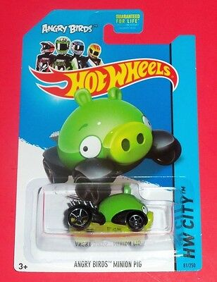 Hot Wheels - New - Angry Birds Minion Green Pig