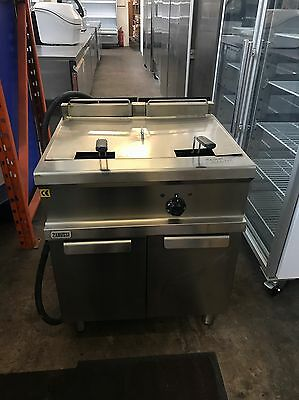 Double Basket Chip Fryer Single Tank Free Standing Electric Catering *CLEARANCE*