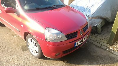2005 RENAULT CLIO EXTREME 16V RED, 70k miles, cheep car,