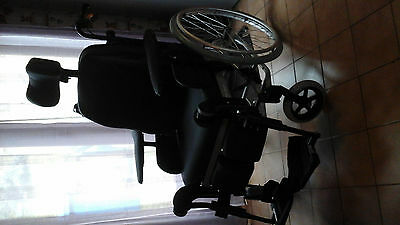 vends fauteuil roulant gamme grand confort