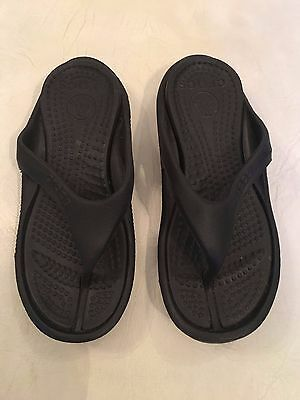 Crocs Unisex Black Flipflops Thongs Size Mens 5 Womens 7