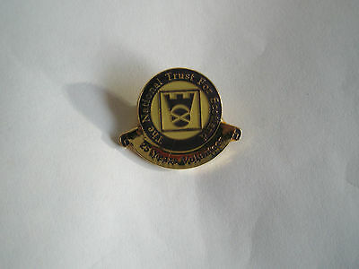 The National Trust for Scotland 25yrs service pin badge