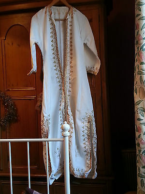 Striking ethnic kaftan with gold embroidery