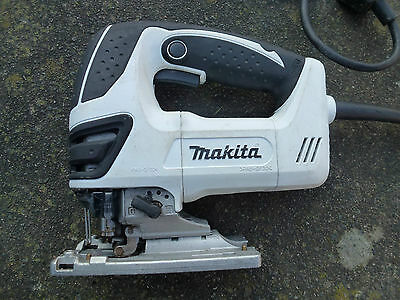 Makita 4350fct White JigSaw 240v In Good Condition