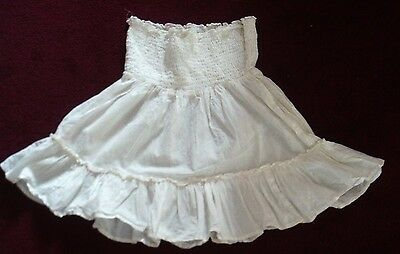 White summer-style 'River Island' skirt with ruched waist (size 10)