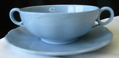 GRINDLEY ENGLAND LUPIN PETAL BLUE CREAM SOUP BOWL WITH UNDERPLATE.  Ca 1940