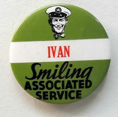 1930's SMILING ASSOCIATED SERVICE pinback button badge Flying A Tidewater Veedol