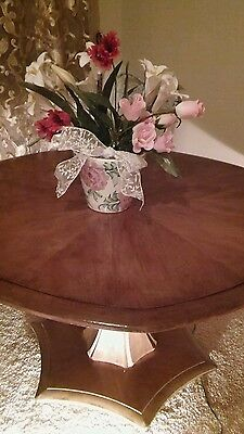 Large Round Oak Dinning or Coffee Table