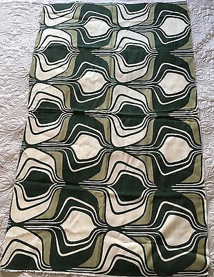 "1950s VINTAGE GREEN PATTERNED FABRIC PIECE ""MARINA"" MEASURES 28 x 48 inches"