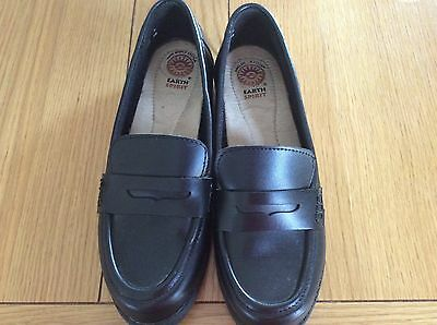 A Pair Of Ladies Loafers, Size 5.