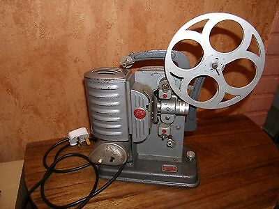 "Noris 8 ""Junior"" 8mm Vintage Projector."