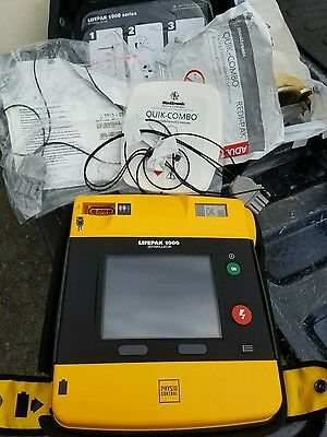 Physio Control LifePak 1000 w/ Battery and Case