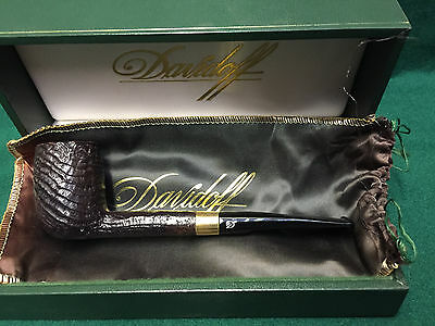 Davidoff 107 Estate Pipe with Gold band