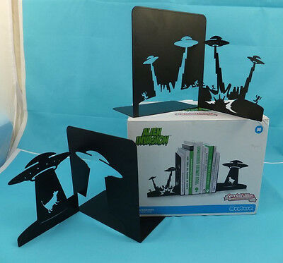 Alien Invasion Novelty UFO Science Fiction Bookends Book Ends Stands Black Metal