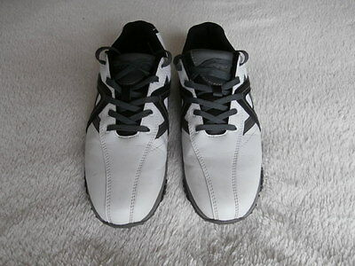 Calloway Golf shoes size7 White and Black