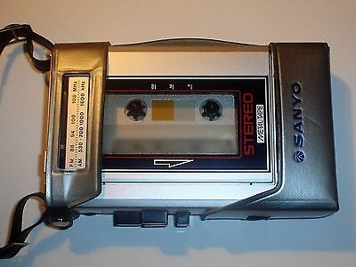 Vintage SANYO M-G30 AM/FM CASSETTE PLAYER Stereo Metal Tape
