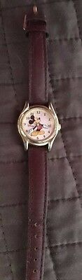 Vintage Mickey Mouse Watch l M0076 model