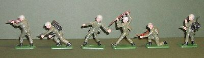 Crescent Plastic 6   Wwii Enemy? Infantry, Assorted Poses Finely Painted Nm