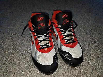 Andruw Jones WBC Netherlands Japan Eagles GAME USED AUTOGRAPH CLEATS MLB