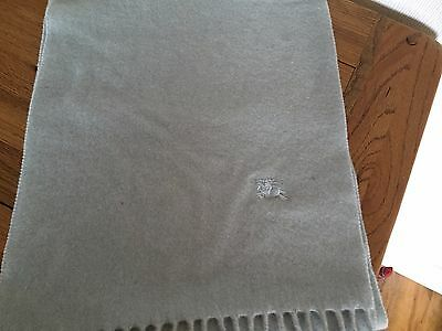 100% Lambswool Burberry Scarf - Light Grey