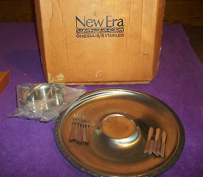 Oneida New Era 18/8 stainless steel #0416 chip and dip dish with mini silverware