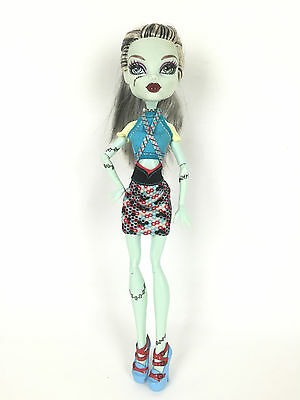 Monster High Poupée Doll / Frankie Stein / Classic Basic Fashion Pack Clothes