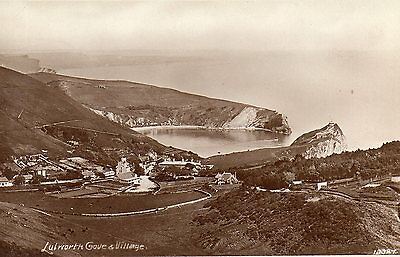 OLD HARDYS POSTCARD CIRCA 1930's - LULWORTH COVE AND VILLAGE - DORSET