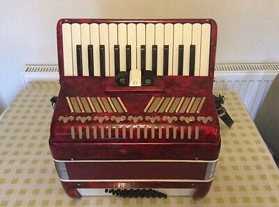 Stella Piano Accordion 48 bass buttons