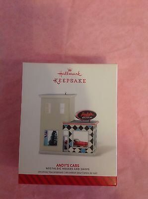 Hallmark Ornament Nostalgic Houses And Shops 2014 31St Andy's Cars New Nib Gas