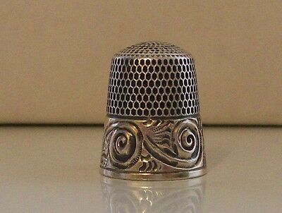 Very Nice Simon Brothers Sterling Silver & Gold Thimble