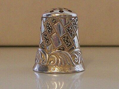 Stunning 925 Sterling Silver Thimble with 29 Glittering Silver Stones