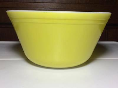 """Vintage Yellow Federal glass 8""""  mixing bowl"""