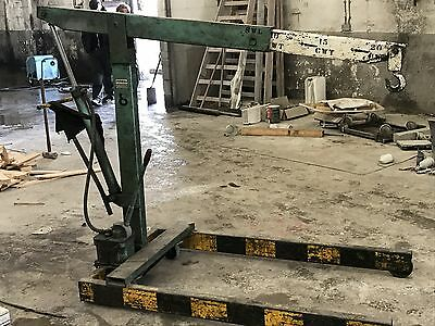 Engine crane lift heavy duty commercial good working order built to last