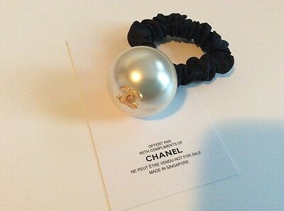New Auth Chanel gold cc logo huge pearl Vip Gift hair tie hair accessories.