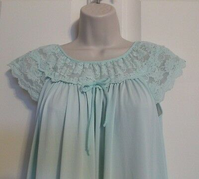 Vintage Gilead Long Night Gown Lingerie Light Green w/ Lace Womens Large MINT