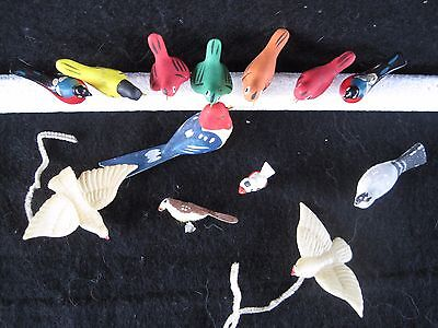 13 tiny painted birds wood felt clay dollhouse putz push pin tack Christmas lot