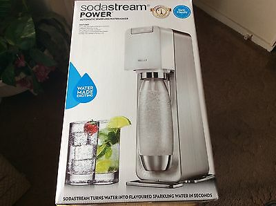 SodaStream Automatic Sparkling Water Maker Plus 4 Flavours New