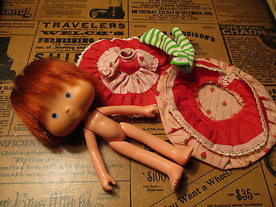 Strawberry Shortcake Party Pleaser Doll & Outfifit ~ Vintage 1980s