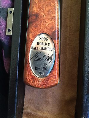 Mark Selby Signed Cue And Case