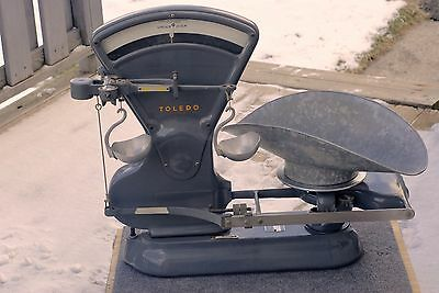 VINTAGE TOLEDO Model 4652 40 lb STORE COUNTER SCALE