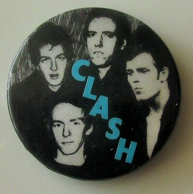 THE CLASH OLD METAL PIN BADGE FROM THE 1980's  PUNK NEW WAVE STRUMMER