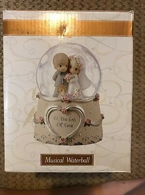New In Box Precious Moments Musical Waterball