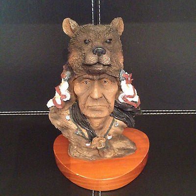 COLLECTABLE NATIVE AMERICAN/CANADIAN INDIAN FIGURINE - CHIEF RUNNING BEAR - 20cm
