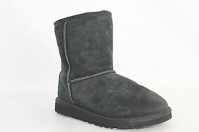 UGG Australia Youth's Black Classic Boot Girl's Size 4 S2799