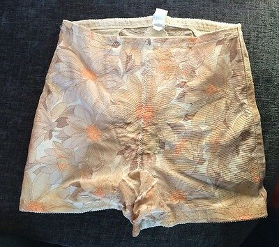 Vintage CUTE NYLON FULL BUM St Michael PANTIES Big Knicker Lycra Size 36 Floral