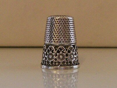 Wonderful 925 Sterling Silver Thimble with Nice Filigree Style Decor
